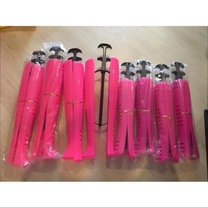 4 pairs of boot shapers